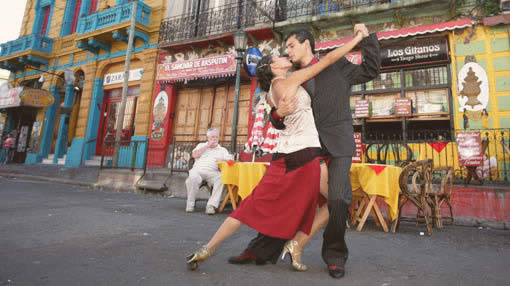 street-tango-buenos-aires-1
