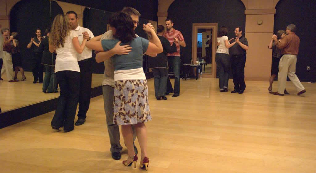 Beginner Tango Class in Atlanta with Ilya